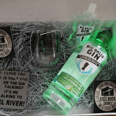 Big Balls Clear Apple and Pear Gin in Club 265 GinBox with additional extras